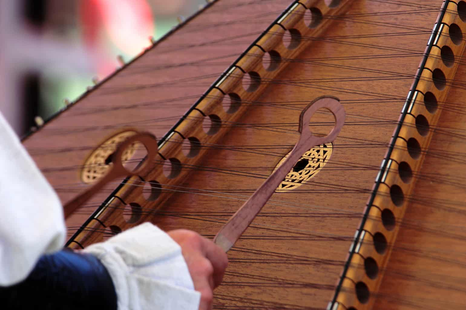 How to Play the Hammered Dulcimer